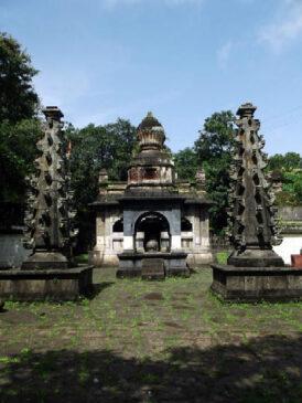 brilliant stone carved idols of Shiva