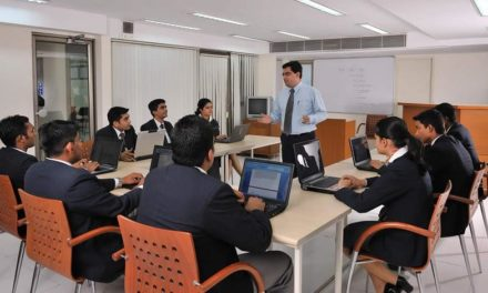 Why to enrol in top private hotel management colleges in Delhi