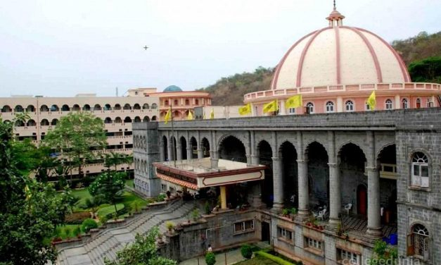 What are the key benefits of choosing top MBA colleges in Pune?