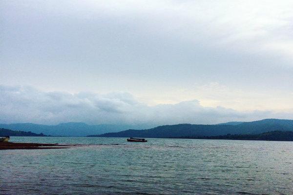 bank of Shivsagar Lake
