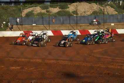 Race at Sydney Speedway