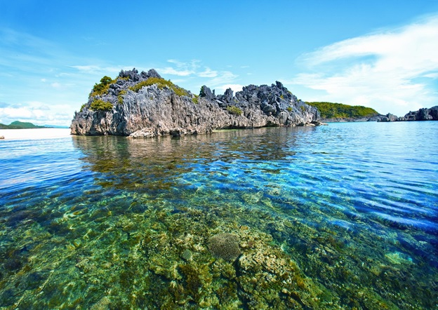 Five Unspoiled Beaches Near The City of Manila